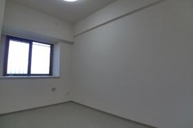 ドルフ 503号室