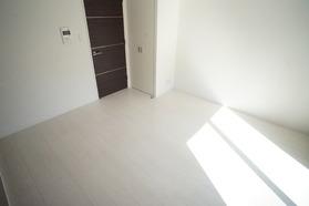 https://image.rentersnet.jp/078d8c36-1ec6-4bcb-9b1f-06cf1cd07b22_property_picture_2987_large.jpg_cap_居室