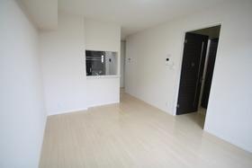 https://image.rentersnet.jp/079865c5-112a-44f3-b31c-30864482abdd_property_picture_2988_large.jpg_cap_居室