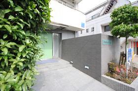広尾駅 徒歩4分エントランス