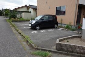 https://image.rentersnet.jp/07a231c9d4ec8394463d5daf6c1280f3_property_picture_955_large.jpg_cap_駐車場