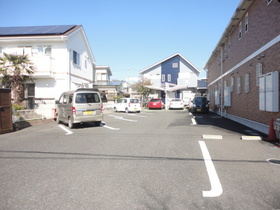 ニューポテトハウス駐車場