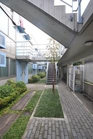 下北沢駅 徒歩7分エントランス