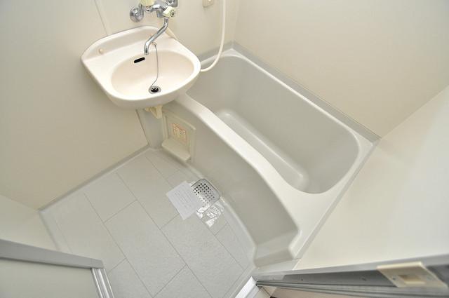 グランドゥルイ ゆったりと入るなら、やっぱりトイレとは別々が嬉しいですよね。