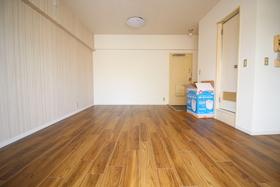 https://image.rentersnet.jp/08a9ace4-8591-48d8-ac4e-8938caae1df3_property_picture_2418_large.jpg_cap_居室