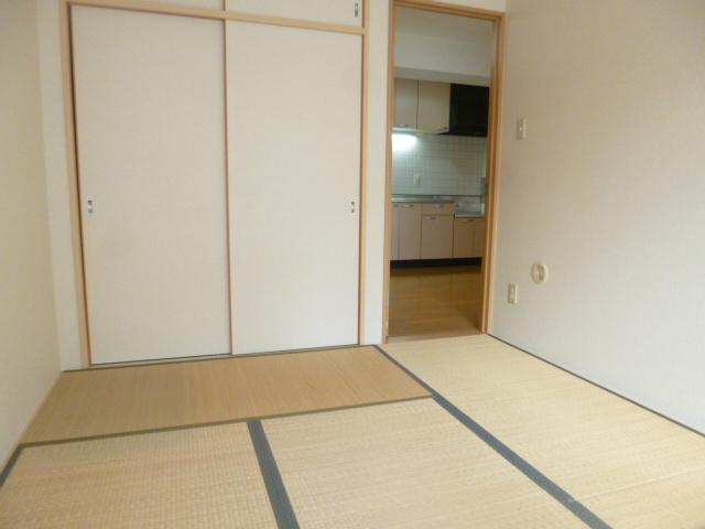 ミナミマンション2居室