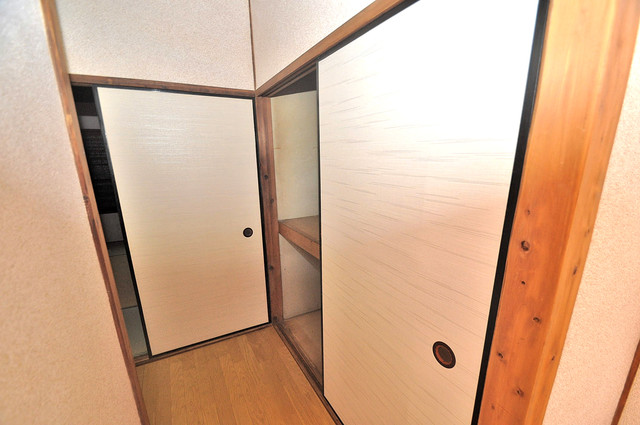 宝持4丁目貸家 もちろん収納スペースも確保。おかげでお部屋の中がスッキリ。