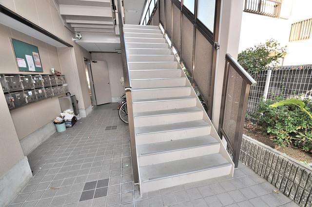 ディグナーデ この階段を登った先にあなたの新生活が待っていますよ。