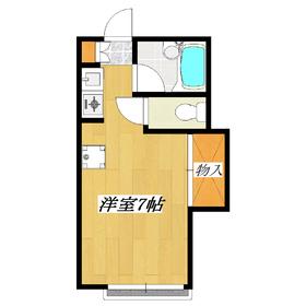 収納の上部はベットがあり部屋が広く使えます。