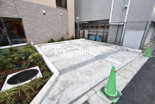 パークアクシス飯田橋レジデンス駐車場