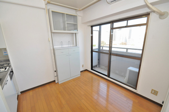シティビラ新深江 シンプルな単身さん向きのマンションです。