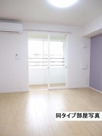 https://image.rentersnet.jp/091f0bf1-3e11-408d-885e-728bbfecd1c5_property_picture_3520_large.jpg_cap_居室