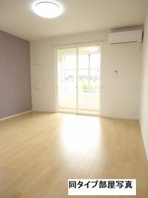 https://image.rentersnet.jp/09267cf1-f96a-40fa-a792-188b14af7009_property_picture_3520_large.jpg_cap_居室