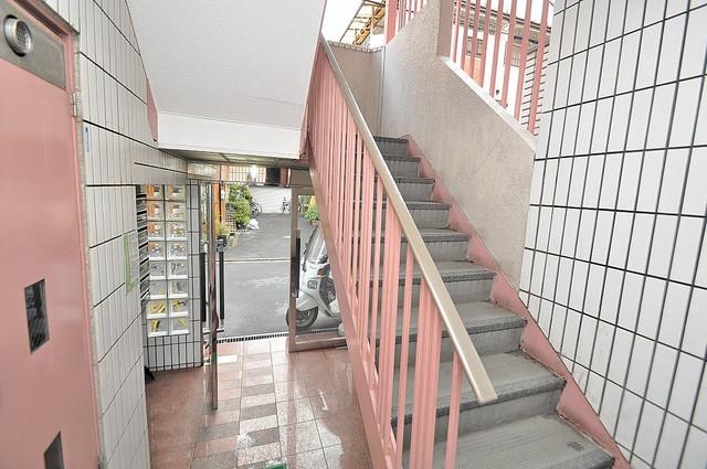 ランド雅 この階段を登った先にあなたの新生活が待っていますよ。