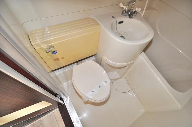リビエール今里 シャワー1本で水回りが簡単に掃除できますね。