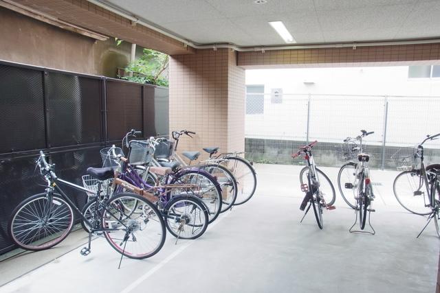 スカイコート東大前壱番館駐車場