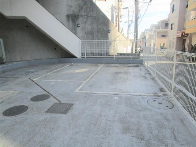 日神パレステージ町田第2駐車場