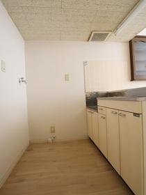https://image.rentersnet.jp/0a343759-08e5-4d09-9c4d-73afc3eaad4c_property_picture_955_large.jpg_cap_内装