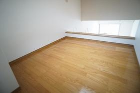 https://image.rentersnet.jp/0a4f4397-b958-4995-a9e8-5f05db2fa619_property_picture_956_large.jpg_cap_居室