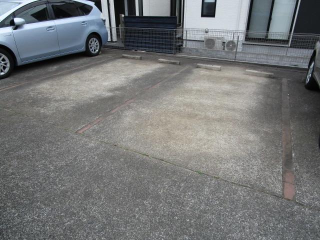 ドミール駐車場