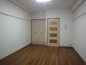 https://image.rentersnet.jp/0a54b371-e0bf-4fc7-a7a8-080f7d4eb362_property_picture_958_large.jpg_cap_居室