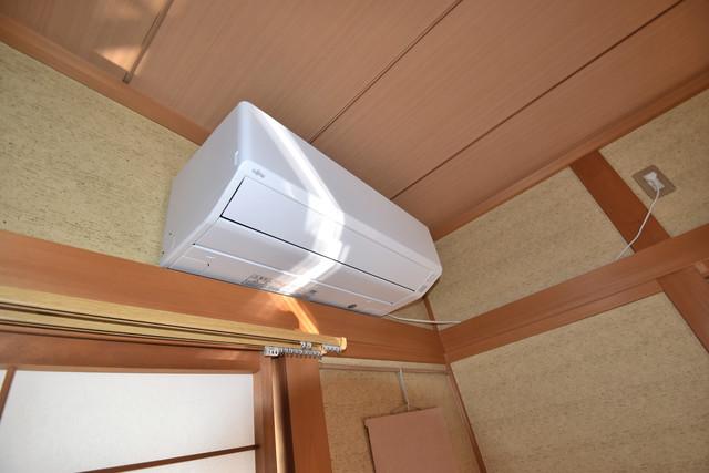 高井田元町2-11-15貸家 エアコンが最初からついているなんて、本当にうれしい限りです。