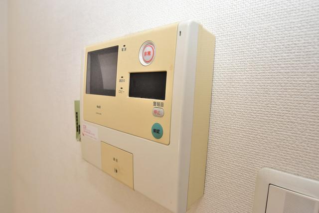 メゾン・ド・成屋大阪 TVモニターホンは必須ですね。扉は誰か確認してから開けて下さいね