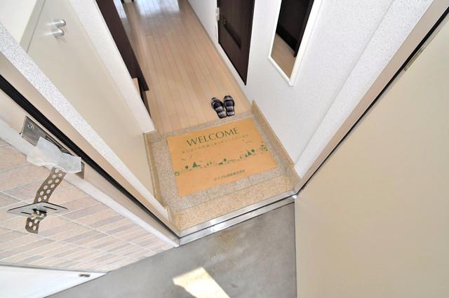 オランジュ上小阪 玄関口が大きいので、とても解放感があります。