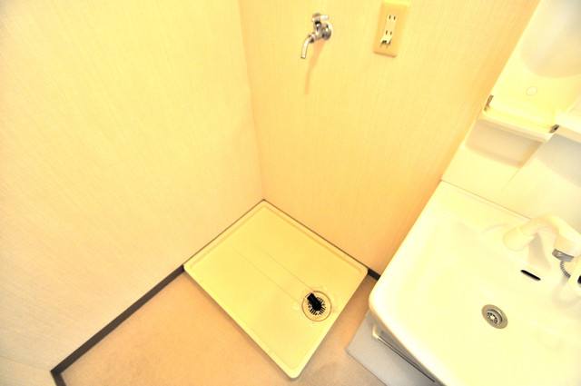 フルラーレ 室内に洗濯機置き場があれば雨の日でも安心ですね。