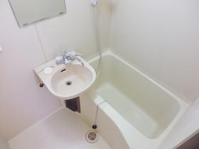 バスルームも綺麗です。