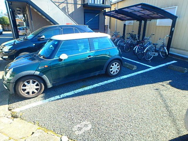 シマックスII駐車場