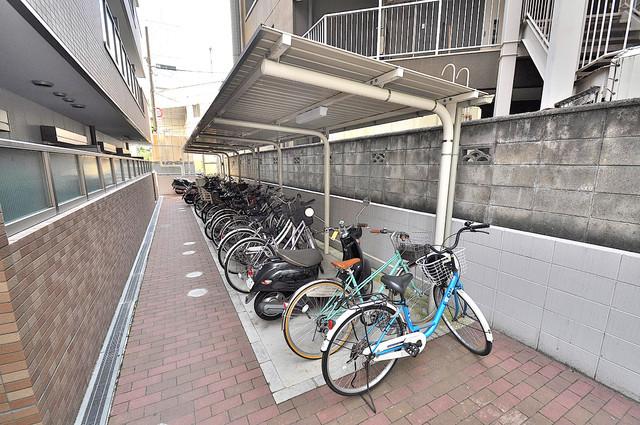 ルミエール・フジ 敷地内には専用の駐輪スペースもあります。