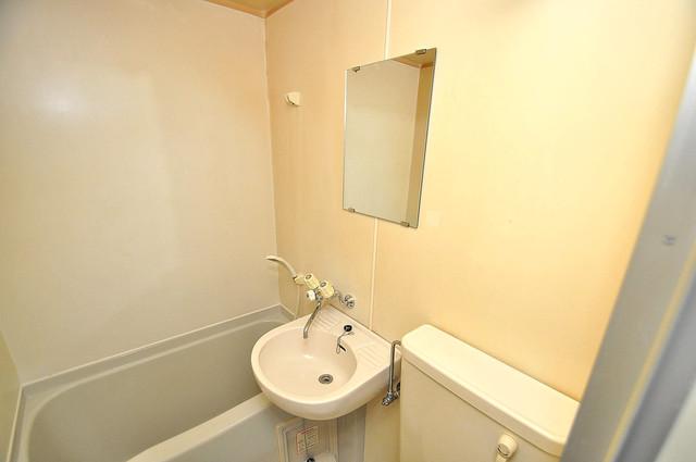 ホワイティ大今里 可愛いいサイズの洗面台ですが、機能性はすごいんですよ。