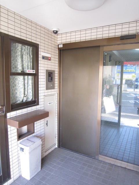 日吉駅 徒歩2分エントランス