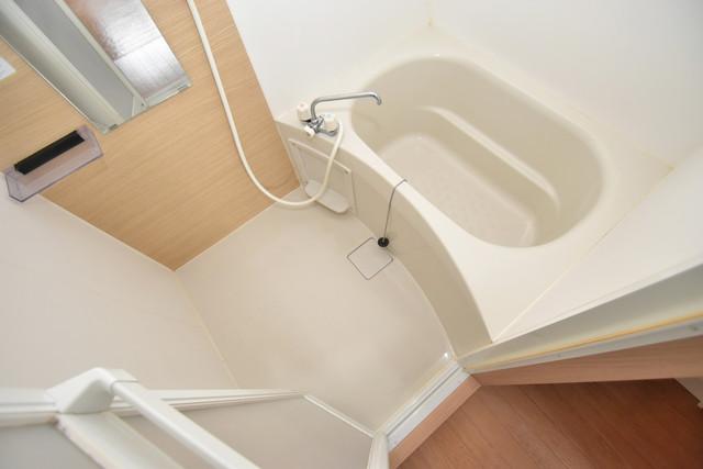 星和ビル ちょうどいいサイズのお風呂です。お掃除も楽にできますよ。