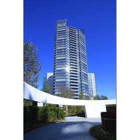 コンフォリア新宿イーストサイドタワーの外観