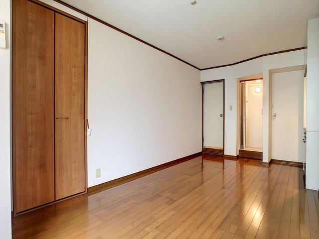 https://image.rentersnet.jp/0c5c8af7-47a0-4f22-8087-336e20d588f8_property_picture_3193_large.jpg