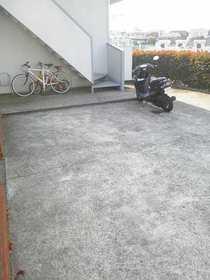 ストークハイツ岡崎駐車場