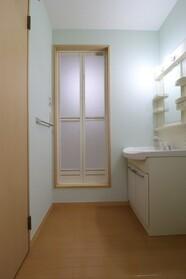 グリュンハイム 101号室