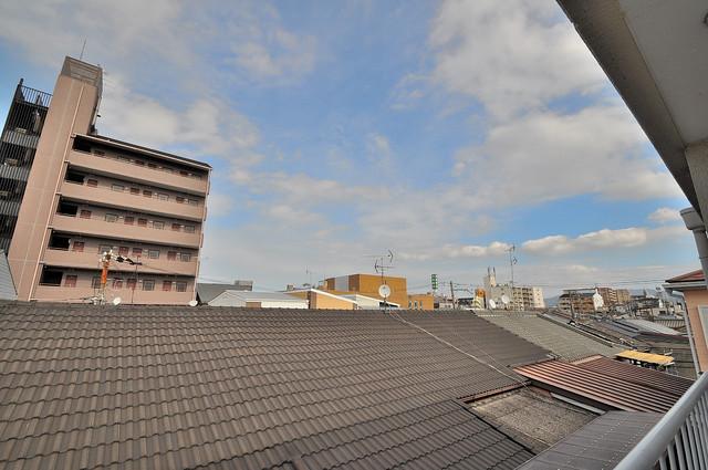 ファミーユ和喜 この見晴らしが日当たりのイイお部屋を作ってます。