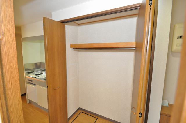 プリムローズHY1 大きなクローゼットはたくさんの衣装もスッキリ片付きます。