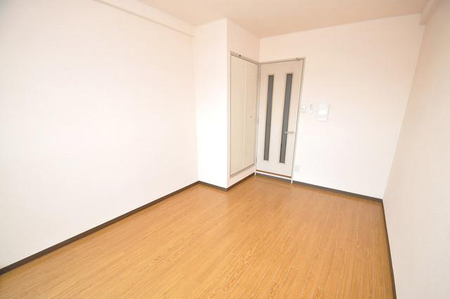 デ・リード高井田駅前 ゆったりとした玄関。もちろんシューズボックスもあります。