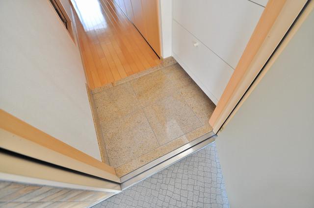 Celeb布施東 お部屋の入口には何も置かず、シンプルが一番ですね。