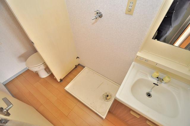 シャトーパシフィック 嬉しい室内洗濯機置場。これで洗濯機も長持ちしますね。