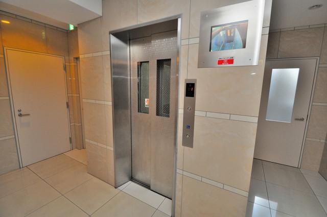 グランガーデン足代新町 エレベーター付き。これで重たい荷物があっても安心ですね。