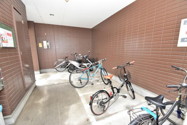 ポプルスONE 1階には駐輪場があります。屋内なので、雨の日も安心ですね。