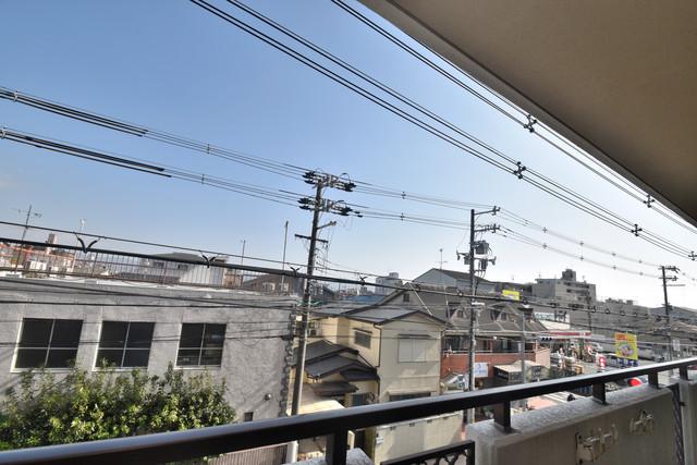 七福興産ビル この見晴らしが陽当たりのイイお部屋を作ってます。