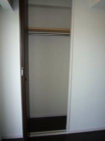 ホワイトキューブ 202号室