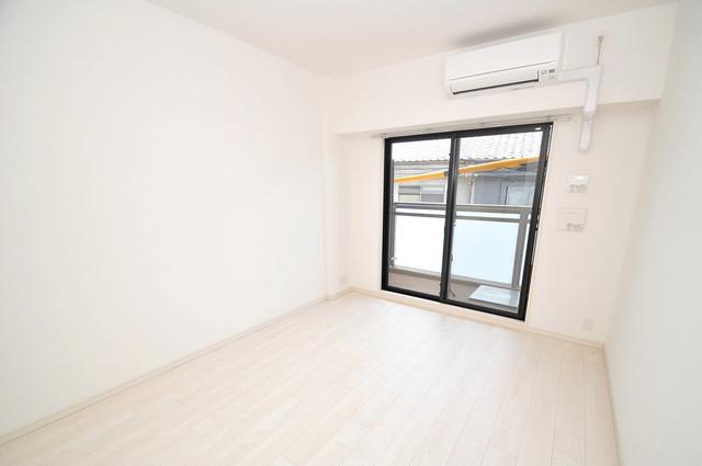 アドバンス大阪フェリシア 窓があるので風通しが良く、快適な睡眠がとれそうですね。