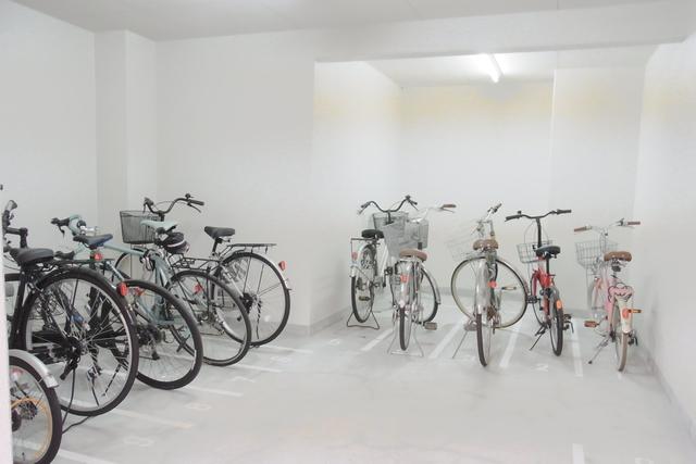スカイコート池袋西弐番館駐車場